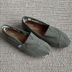 Women's Toms Canvas Shoes